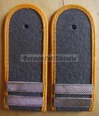 sblay003 - STABSGEFREITER - Nachrichten - Signals - pair of shoulder boards