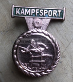 om057 - Kampfsportabzeichen des MdI - Combat sports badge for the VP VoPo Volkspolizei police - worn on uniforms