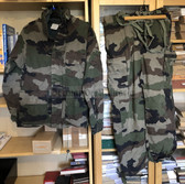 be061 - c1995 dated French Army camo uniform - jacket with hood and trousers