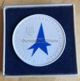 oo140 - cased Meissen Porcelain table medal - FDJ Messe der Meister von Morgen
