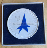 oo140 - cased Meissen Porcelain table medal - FDJ Messe der Meister von Morgen