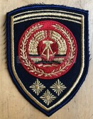 om167 - NVA Volksmarine VM Navy FAEHNRICH RANK SLEEVE PATCH - warrant officer - from 1974 to 1979 - 3 stars = more than 20 years service
