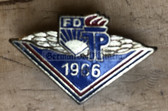 om704 - scarce 1966 dated enamel Achievement badge for Pionierleiter of the FDJ and Pioniere