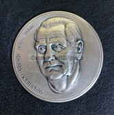 oo042 - 1st President of the DDR Wilhelm Pieck - cased table medal