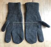 wo756 - Austrian Bundesheer Army issue woollen gloves - 2005 dated