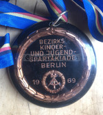 om792 - c1969 Berlin Youth Sports Competition Winner's medal