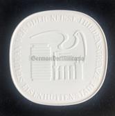 oo141 - City of Eisenhüttenstadt cased Meissen porcelain presentation plaque table medal