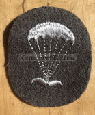 om310 - very scarce NVA Army Paratrooper Fallschirmjäger conscript and NCO qualification sleeve patch - only used from 1965 to 1969