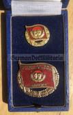 om363 - Pionierorganisation Ernst Thälmann honour badges set in bronze in box