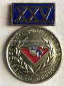 om237 - 25 years anniversary Zentrales Pionierlager Erfurt medal in box