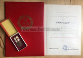 ag013 - c1971 Theodor Neubauer medal in bronze with award cert and folder