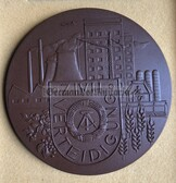 oo011 - 2 - ZV Zivilverteidigung Civil Defence Meissen porcelain award table medal in case