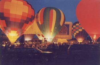 ballon-glow-night.sized.jpg