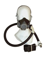 Half mask assembly for Supplied air respirator