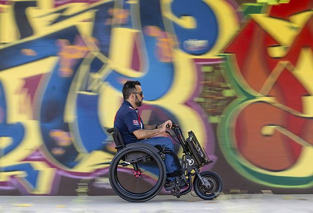 batec-handcycle-power-assist-attachment-wheelchair2.jpg