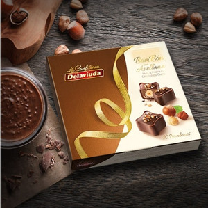 Hazelnut Chocolate Cups Bonbons by Delaviuda