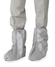 A photograph of a pair of gray 15001 dupont tyvek® boot covers in universal size, with 100 per case.