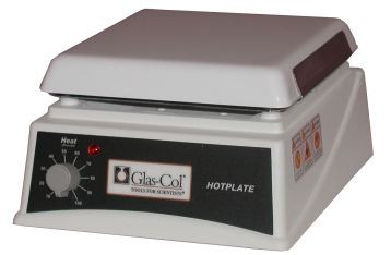 A photograph of a 20950 glas-col laboratory hotplate, 7.5 x 7.5 top.
