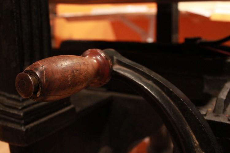 hand-press-crank.jpg