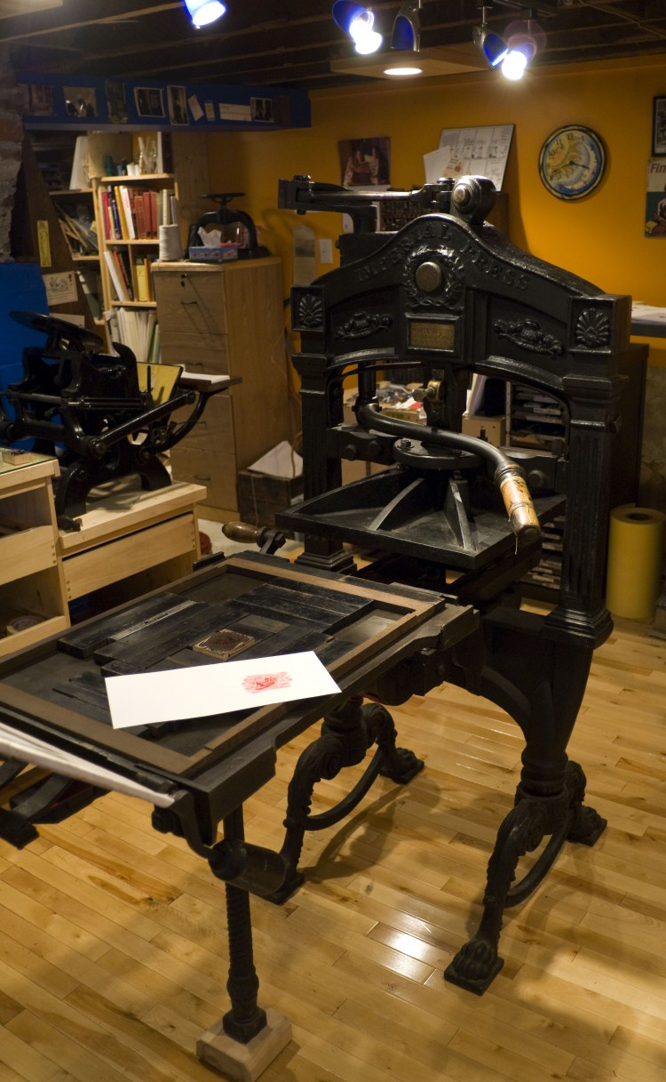 hand-press-mullock.jpg
