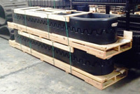 2898490 Caterpillar AP1055E Rubber Track Smooth