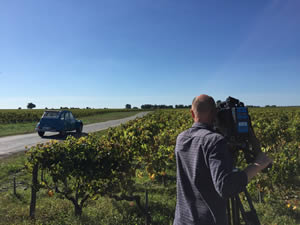Lots of sweeping shots of the Médoc and the 2CV
