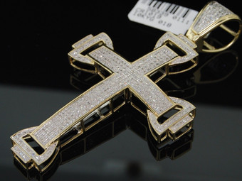 1.13C MENS YELLOW GOLD PAVE DIAMOND DOMED CROSS CHARM