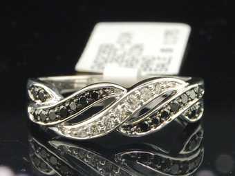 Black Diamond Wedding Band 10K White Gold Round Cut Anniversary Ring 0.26 Ct.