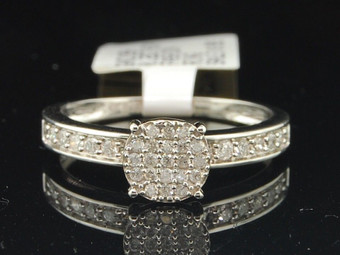 10K White Gold Round Cut Diamond Circle Engagement Ring 0.26 Ct.