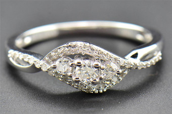 Diamond Engagement Ring Ladies Round Cut Promise 3 Stone 10K White Gold 0.27 Ct