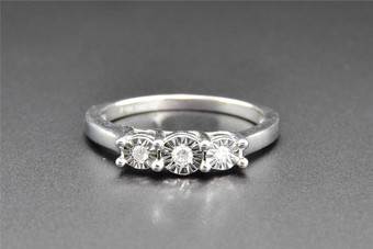 3 Stone Diamond Engagement Ring 10K White Gold Round Cut Fanook Setting 0.09 Ct
