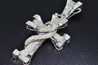 10K White Gold Genuine Round Diamond Cross Swirl Design Mens Pave Charm 1.35 Ct.
