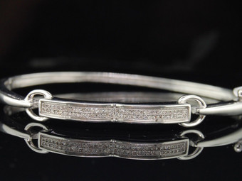 LADIES .925 STERLING SILVER 0.19 CT. PAVE DIAMOND BRACELET BANGLE