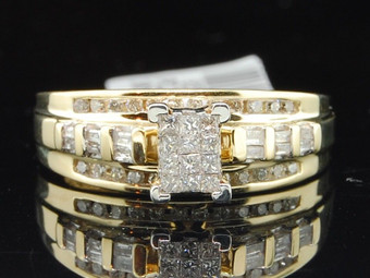 Ladies 10K Yellow Gold Princess & Round Cut Diamond Engagement Ring Wedding Band.