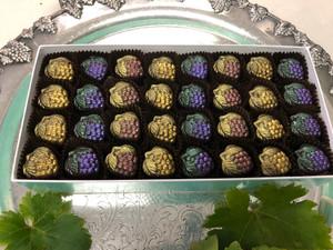 Gorgeous Grapes, 32-piece box