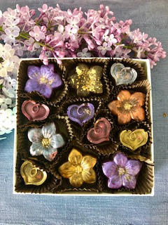 Flowers and Hearts, 12-piece box