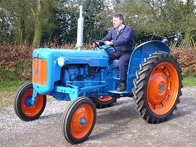 decta-tractor-restored.jpg