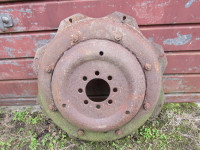 IH 434 etc wheel centre to fit 32 inch rim USED UP337