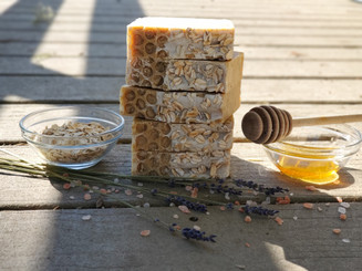 Oatmeal Milk & Honey Soap  (NON-VEGAN)