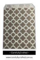 """12 Favour Paper Bags 5"""" x 7"""" - Quatrefoil - Grey #FB59"""