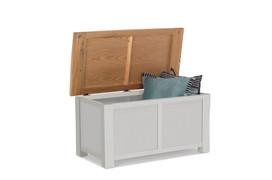 Amberly Blanket Box
