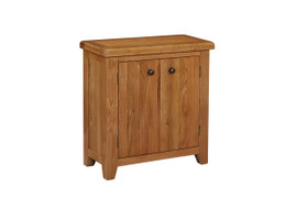 The range is an absolute must have. This piece is beautifully hand-crafted with solid oak, that will give the impression of rustic, bright and elegant taste to any household.