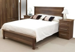 Noche Walnut 4'6ft Double Bed
