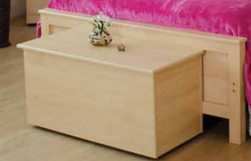Ramour Blanket Box