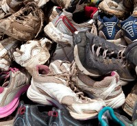 Microplastic pollution from wearing out of synthetic shoe soles