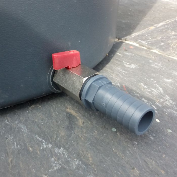 """3/4"""" Ball Valve and Hose tail to connect to 3/4"""" Garden Hose."""