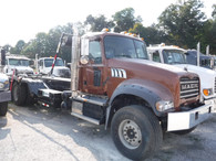 2014 Mack Pinnacle Roll Off