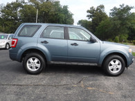 2010 Ford Escape  @@ Great Family Ride @@ MPG @@