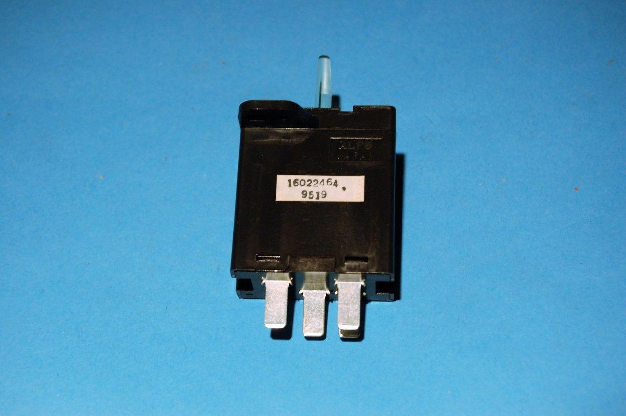 1985-90 c4 corvette defrost switch NEW GM