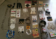 Wholesale Lot of Assorted Costume Jewelry, Brand Name Fashion Jewelry Approx. 50 Pieces